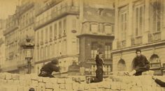 Barricade rue de la Paix mai 1871. La commune.