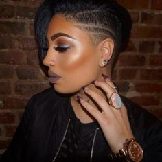 Cool Cuts - 26 Short Haircut Designs Your Barber Needs To See Short Hair Designs, Shaved Hair Designs, Shaved Side Hairstyles, Undercut Hairstyles, Men Undercut, Medium Hairstyles, Short Weave Hairstyles, Short Straight Hair, Short Hair Cuts