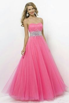I don't really like pink or dresses but i like this