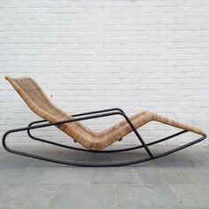 Very Rare Rocking Chaise Longue in Cane by Dirk Van Sliedrecht 2 Welded Furniture, Industrial Design Furniture, Iron Furniture, Wicker Furniture, Plywood Furniture, Furniture Design, Metal Sofa, Home Room Design, Rocking Chair
