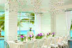 Champagne hand-crafted cocktails are the perfect pairing for a bridal brunch at The Ritz-Carlton Bal Harbour, Miami.