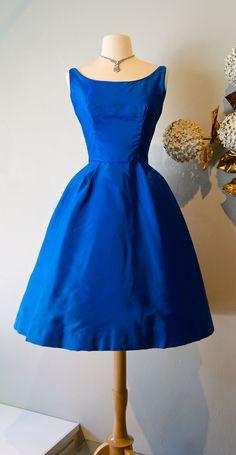 Vintage dress / 60's brilliant blue party dress