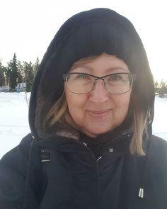 Pakkaseukko kotimatkalla  #pipopäässäpakkasella #talvi #winter #helmikuu #february #meitsie #selfie #itscoldoutside #lumi #snow #onmyway #lifestyleblogger #nelkytplusblogit #åblogit #ladyofthemess