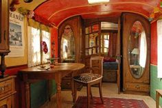 I want to live in this right now!    #caravans #nests #nooks