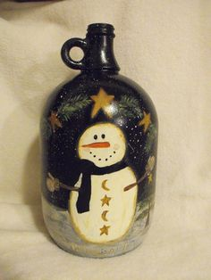 Here is a glass jug that - Quilling Deco Home Trends Wine Jug Crafts, Mason Jar Crafts, Wine Bottle Art, Painted Wine Bottles, Snowman Crafts, Dyi Crafts, Jar Art, Glass Jug, Pintura Country