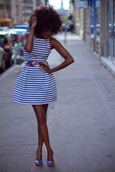 adoro la forma y el estilo de este vestido