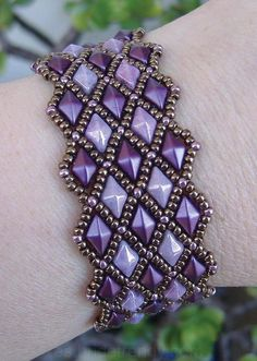 Diamond Lattice Bracelet beaded pattern tutorial by Deb Roberti - Perlen Schmuck Beaded Beads, Beaded Bracelet Patterns, Beading Patterns, Beaded Earrings, Beaded Bracelets, Knitting Patterns, Crochet Patterns, Loom Patterns, Art Patterns