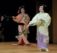images of kabuki | Brent crossed a super busy street trying to get a photo of the theater ...