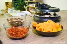 Organiser une raclette végétarienne - Happy Chantilly Caesar Pasta Salads, Caesar Salad, Fromage Vegan, I Want To Eat, Punch Bowls, Barbecue, Organiser, Favorite Recipes, Kitchens