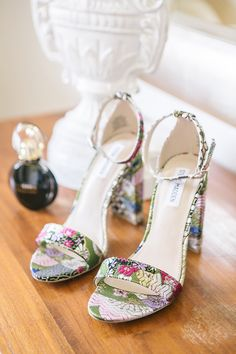 Bohemian & colorful wedding in Tuscan countryside - Chic & Stylish Weddings Unique Wedding Shoes, Designer Wedding Shoes, Wedding Colors, Garden Wedding, Countryside, Chic, Stylish, Celebrities, Sandals