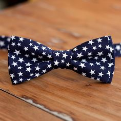 Men's Star Bow Tie, Independence Day Bow Tie, Navy and White bowtie Wedding Bows, Wedding Men, Toddler Ties, Come Undone, Boys Bow Ties, Navy Blue Background, Silver Stars, Star Print, Independence Day