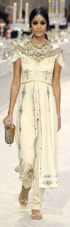 Gorgeous Indian/Bohemian Influence in Chanel's Paris-Bombay  Show 2012/2013