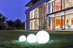 Im dunkeln auf der Wiese kommt das recht stylisch. Hält sogar das derzeitige Wetter aus ACCENTUM - Ball Light 40