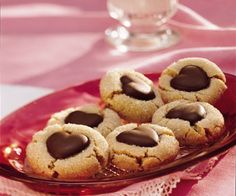 Galletas de Mantequilla de Cacahuate con Corazón de Chocolate