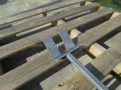 store2 thumb 600x450 Pallet Paw: Pallet disassembly tool