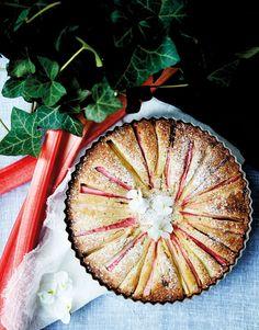Rabarberkage med hvid chokolade og mandelmel Bakery Cakes, Food Cakes, Cake Recipes, Dessert Recipes, Danish Food, Food Crush, Rhubarb Recipes, Sweets Cake, Pastry Cake