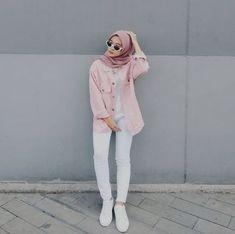 Hijab ootd hijab t shirt Modern Hijab Fashion, Street Hijab Fashion, Hijab Fashion Inspiration, Muslim Fashion, Fashion Pants, Trendy Fashion, Fashion Outfits, Dress Fashion, Hijab Fashion Style