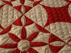 Beautiful quilting  One day ill make a red and white quilt.