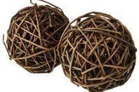 We can make our own grape vine decorations, like these balls. We always have plenty of grape vine!