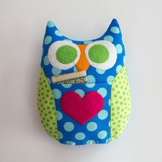 Tooth Fairy pillow, Halloween pillow, Valentines pillow....owls can go for lots of things if you just change up the color scheme :)