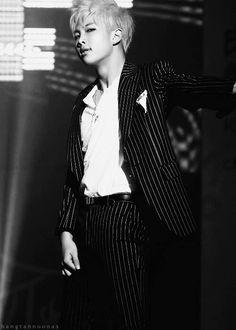 Black and White!!!! Beautiful
