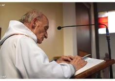 Père Jacques Hamel  assassiné lors d'une messe à Saint-Etienne-du-Rouvray - Radio Vatican