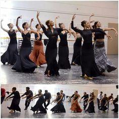 Flamenco Dance P Costume Flamenco, Flamenco Dancers, Flamenco Dresses, Shall We Dance, Lets Dance, Adult Ballet Class, Spanish Dancer, Salsa, Dance Images