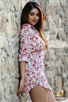 Anu Emmanuel cutest South Indian tollywood tempting insane beauty face unseen latest hot sexy images of her body show and navel pics with bi. Beautiful Girl Photo, Beautiful Girl Indian, Beautiful Indian Actress, Beautiful Actresses, Gorgeous Women, Bollywood Actress Hot, Beautiful Bollywood Actress, Tamil Actress, Anu Emmanuel