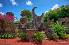 Unusual and Spectacular Castles Castles That Will Inspire and Haunt You Arguably born the day that villagers -- and the people who profited off them --. Coral Castle Florida, Vacation Trips, Vacation Spots, Effigy Mounds, Ambit Energy, Recent Discoveries, Fantasy Castle, Explore Travel, Unusual Things