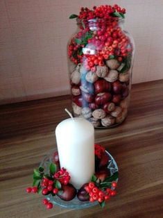 Autumn decorations from walnuts, chestnuts and berries. - Deco 2019 - Autumn decorations from walnuts, chestnuts and berries. Autumn Decorating, Porch Decorating, Fall Decor, Holiday Decor, Diy Birthday Decorations, Halloween Decorations, Table Decorations, Advent Candles, Wooden Cutouts