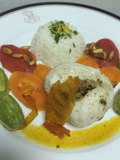 Riz basmati carottes Vichy , sauce safran , poisson garni de caviar d'aubergine