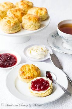 Scones with jam and cream is one of them. Light and dainty english scones are sophisticated, yet unbelievably easy to make. It's practically impossible to mess up. Tea Recipes, Dessert Recipes, Cooking Recipes, Scone Recipes, English Food Recipes, English Desserts, Cooking Pasta, Easy Desserts, Donuts