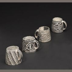 Mesa Verde black-on-white mugs