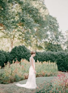 Morven Park Gardens. Photographer Rabiah Khwaja Gohar for Virginia Bride Magazine