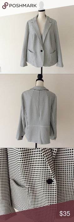 Talbots Women's 2X Coat Blazer Black/White Check # In excellent preowned condition Talbots Jackets & Coats Blazers
