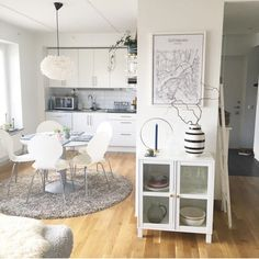 @inredamedelin All white theme makes her kitchen look very elegant and spacious with the FANNY dining chairs and VASAA vitrine