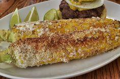 Darf auf keiner Grillparty fehlen, der gegrillte Mais mit Butter und Chili.