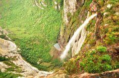 Cachoeira da Fumaça - Bahia bY              Douglas Baker