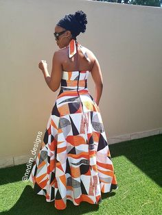 African fashion is available in a wide range of style and design. Whether it is men African fashion or women African fashion, you will notice. African Wear Dresses, African Attire, African Fashion Designers, African Print Fashion, African Traditional Dresses, African Design, African Women, Look Fashion, Maxi Dresses
