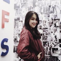 """Agatha Pricilla di Instagram """"I am wearing @walloffades bomber jacket and it feels like I've been with them for the whole 7 years of journey! Visit Wall of Fades only at…"""""""