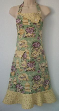Cottage Chic Apron Tea & Roses Vintage Inspired by Eclectasie