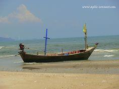 Hua Hin Thailand Travel Blog http://blog.apllc-connect.com/ #Thailand #travel #photo #photography #boat