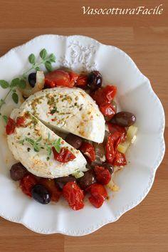 ricotta cotta in vasocottura al microonde Ricotta, Italian Cooking, Antipasto, Caprese Salad, Finger Foods, Olive, Food And Drink, Diet, Healthy