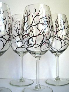 DIY Wine Glasses @David Nilsson DiPilato could most definitely make these and they would look fantastic!