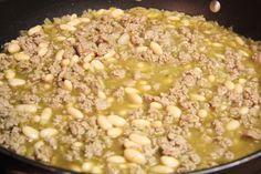 White Chili (w/ Ground turkey)...Simple and looks like a good crockpot recipe?!