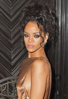 Rihanna 2014 Met Ball After Party- ♔LadyLuxury♔ Rihanna 2014, Moda Rihanna, Rihanna Mode, Rihanna Riri, Rihanna Style, Miguel Angel Garcia, Rihanna Looks, Jenifer Lawrence, Bad Gal