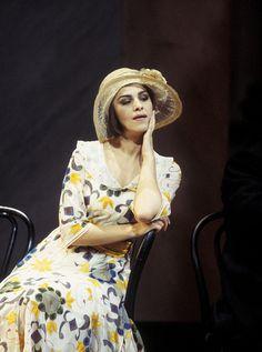 Angela gheorghiu romanian soprano x musique xxxxx pinterest search - Canta casta diva ...