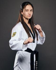 Female Martial Artists, Martial Arts Women, Taekwondo Girl, Tough Girl, Art Women, Karate, Female Characters, Harry Potter, Wrestling