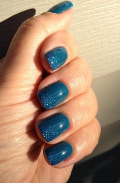 If I ever do blue, it will be this: OPI Gelcolor in Suzi Says Feng Shui with matching glitter fade. Gorgeous teal blue.