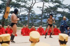 A gallery of Enter The Dragon publicity stills and other photos. Featuring Bruce Lee, John Saxon, Bolo Yeung, Sek Kin and others. Sammo Hung, John Saxon, Bruce Lee Martial Arts, Jeet Kune Do, Bruce Lee Photos, Mma Fighting, Broadway Plays, Enter The Dragon, Martial Artist